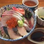 刺身 丼もの 海鮮 食事 和食