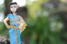 Ce genre de poupée était posées devant des divinités. このような人形がお供えしてありました