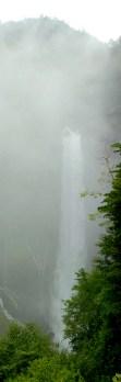Chutes de Kegon: une chute de 97m, une des plus hautes de Japon.