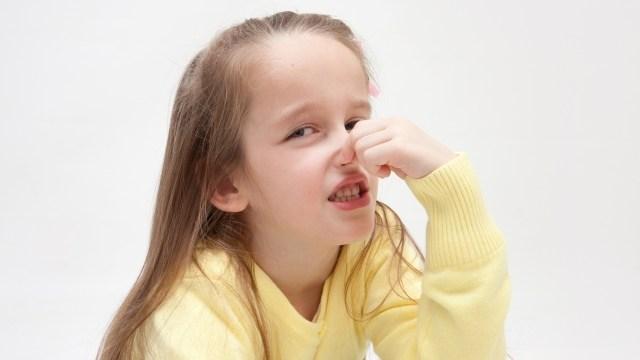 子供の足が臭い原因は何!?におい対策には靴や靴下も清潔にすべし