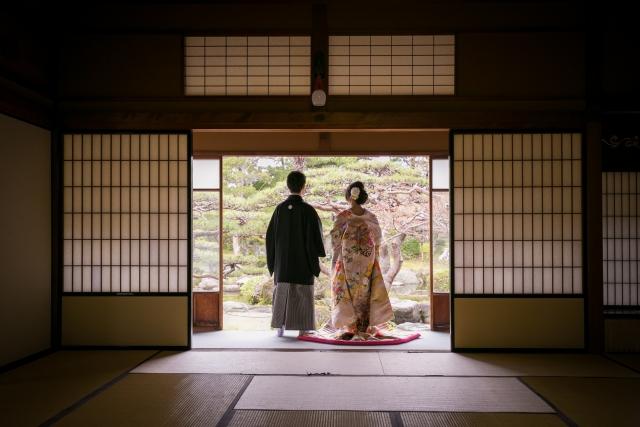 結婚式で着物を着る際のマナー<既婚編>友人・親族パターン別着こなし
