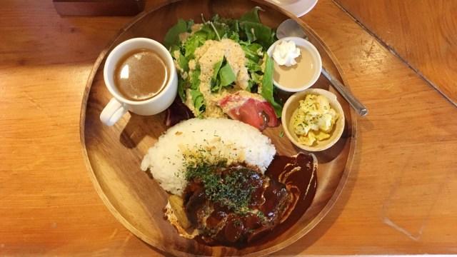 若葉区桜木 お座敷ダイニングカフェ醍醐のハンバーグランチ&やっぱりサラダのドレッシングが美味しすぎ!