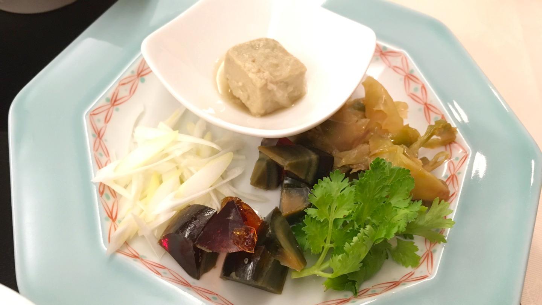 京成ホテルミラマーレ中華料理景山にてランチの中華粥セットが本格的すぎた!謎の四角い物体の正体はいかに