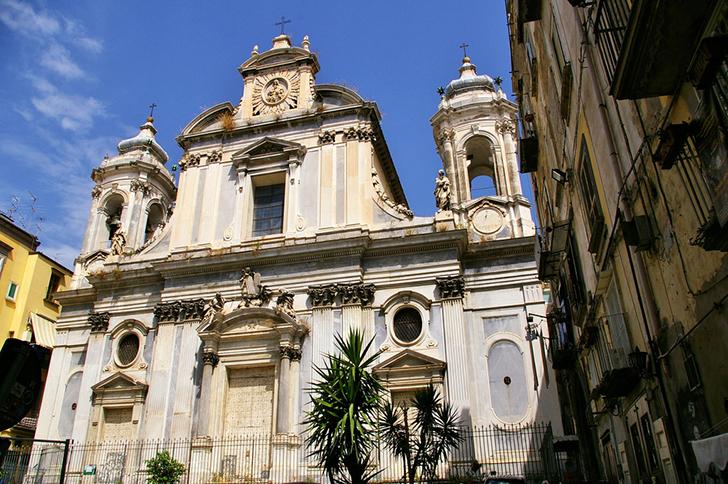 ナポリ ジロラミーニ教会