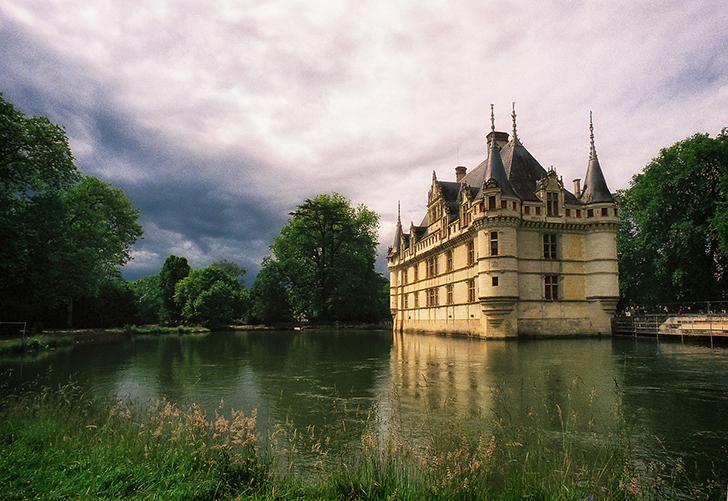 フランス アゼ・ル・リドー城