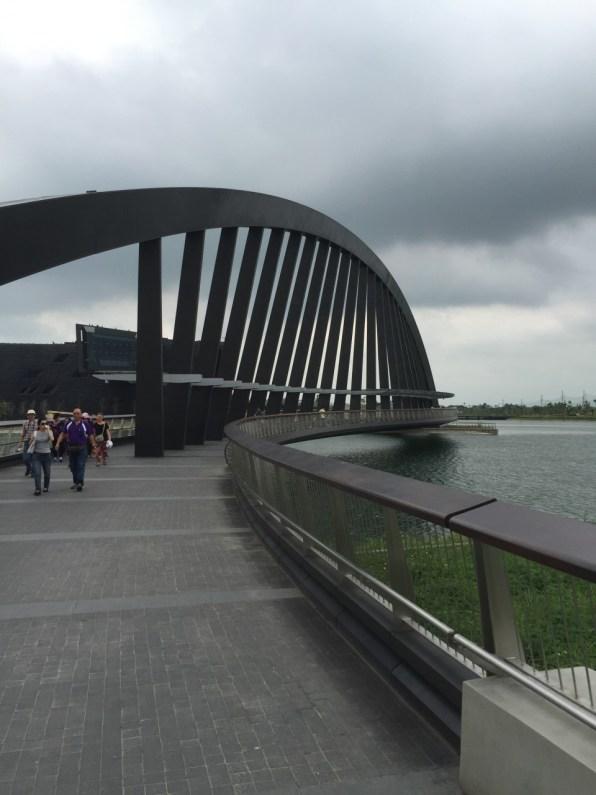 博物院にいくための橋です。