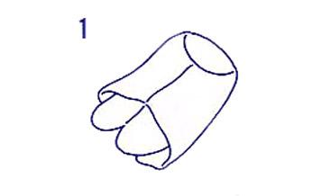 足袋を半分に折り返します。