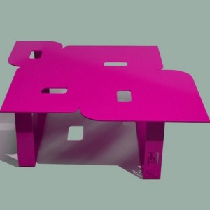 Table basse design seventies rose