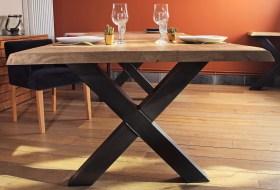 Table Excellence Guislain 2m80x1m1, avec rallonges, patine naturelle et pieds en X brut.