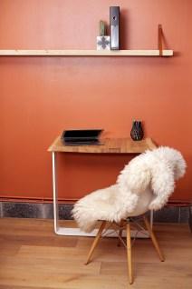 Petit coin bureau 90x40cm, cosy et agréable Pied en U plié laqué blanc