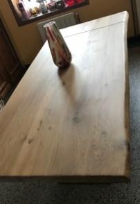 Table caractère France, 2,40x1m, live edge, patine naturelle et pied central en V