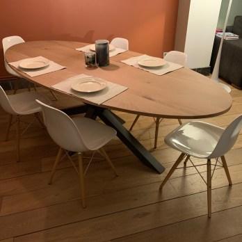 table de salle à manger en chêne massif oval