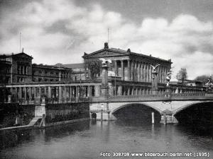 Alte Nationalgalerie und Friedrichsbrücke