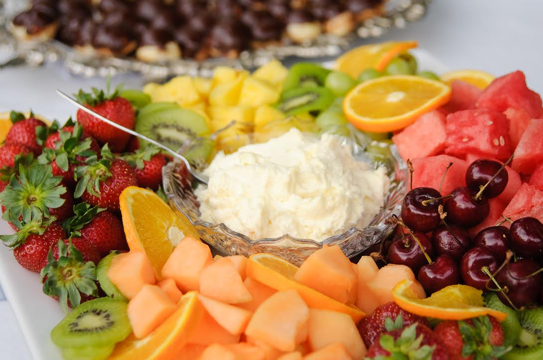 fruit tray with pineapple fruit dip