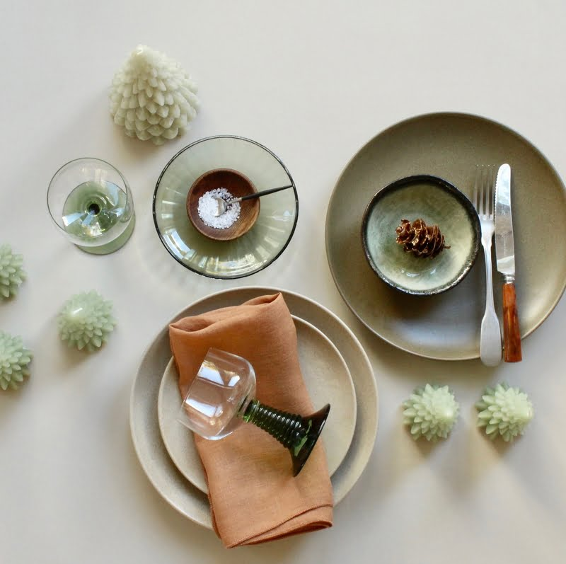 servies combinatie groen en brique
