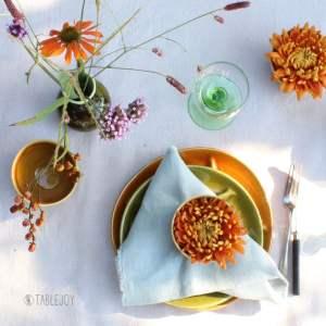 sfeer herfst op tafel met fondueborden