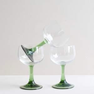 vintage wijnglas groen voet
