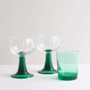 roemer en water glas emerald groen