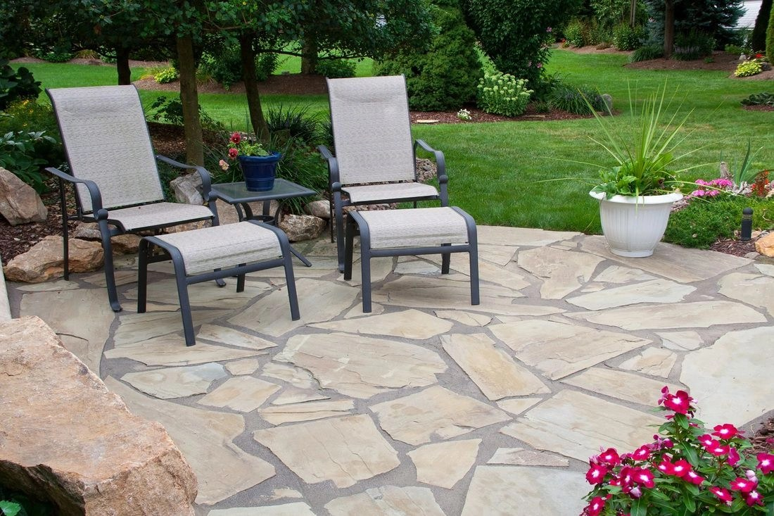 summer is here! try these natural stone patio ideas
