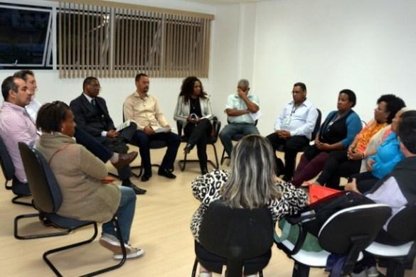 Coordenadora do SOS Racismo de São Paulo faz reunião na Câmara de Taboão. (Foto: Divulgação)