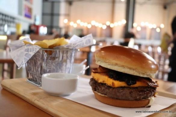 Esse é o delicioso Jack Burger, um dos lanches mais vendidos pela rede.