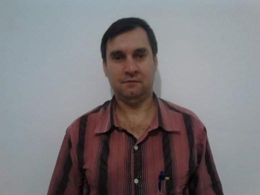 O pedreiro Carlos Pereira Bury, 53 anos, suspeito de matar a filha de cinco anos.