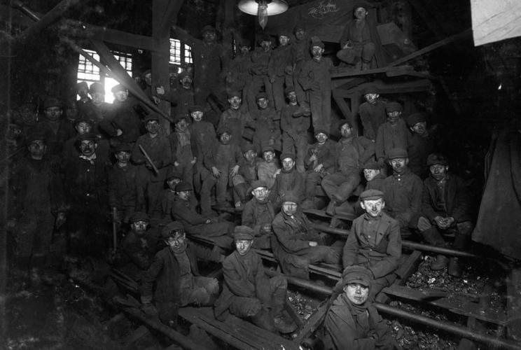 Noon hour in the Ewen Breaker, Pennsylvania Coal Co., in South Pittston, Pennsylvania, in January of 1911.