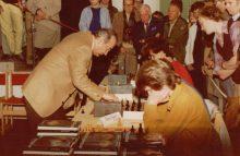 170207-Viktor-Kortsnoj-simultan-1985
