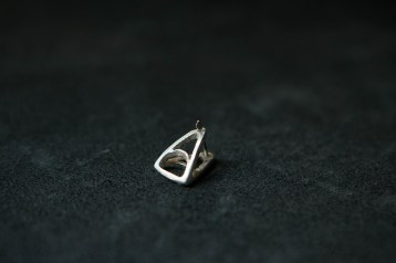 E101 - Spear earring