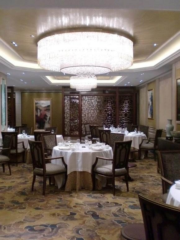 atelierTachas shangrila agencement design menuiserie hotel espace mobilierDesignfrance amenagement paris16 paris hotelShangriLa bronze feuilledor jade sapelli luxe