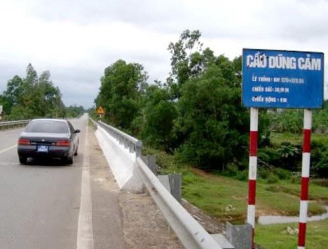 Cầu Dũng Cảm ở huyện Bố Trạch, tỉnh Quảng Bình.