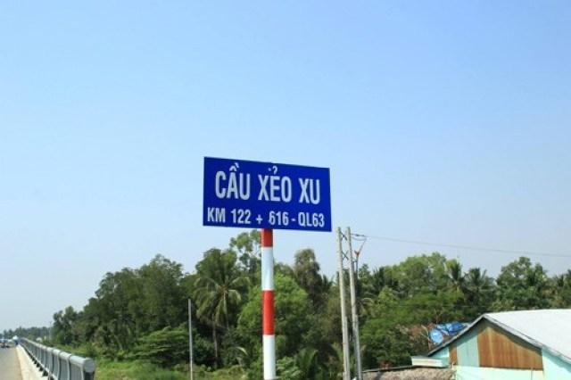 Những cây cầu có tên độc lạ ở Việt Nam không hiếm. Nhiều cây cầu có tên gắn với câu chuyện riêng hoặc từ địa phương, khiến những người lần đầu đọc được cảm thấy khó hiểu.