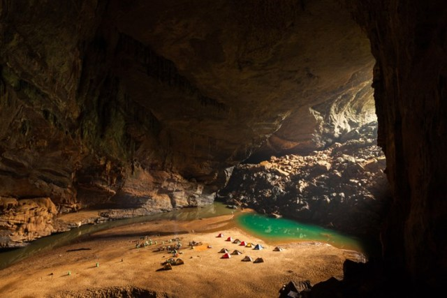 Cảnh quan tuyệt đẹp bên trong hang Én thuộc quần thể Phong Nha-Kẻ Bàng, Quảng Bình.