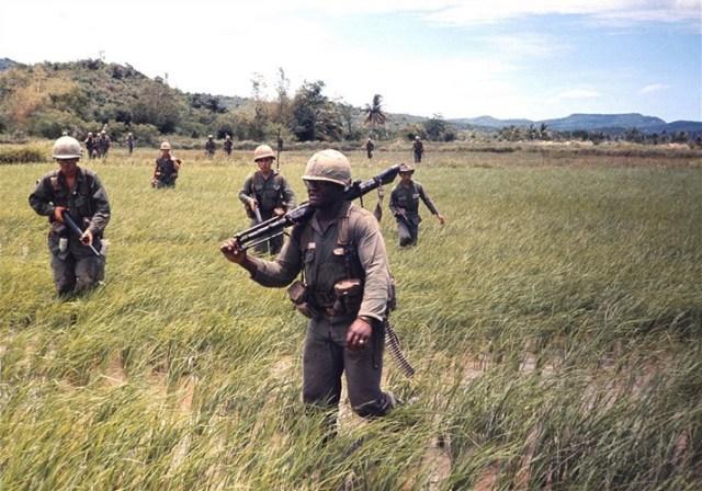Trong giai đoạn chiến tranh Việt Nam, sư đoàn này hoạt động chủ yếu ở phía Bắc Vùng 1 Chiến thuật, gồm các tỉnh Quảng Trị , Thừa Thiên-Huế, Quảng Nam, Quảng Ngãi và TP Đã Nẵng ngày nay.