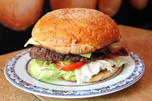burger-black-cat-1