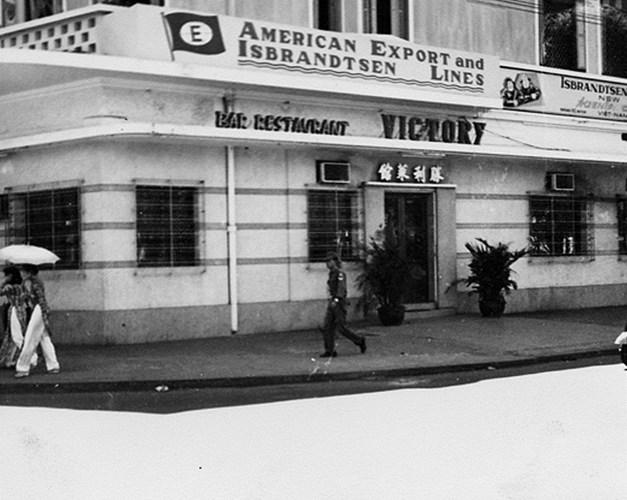 Nhà hàng Victory góc Hàm Nghi - Công Lý (Nam Kỳ Khởi Nghĩa).
