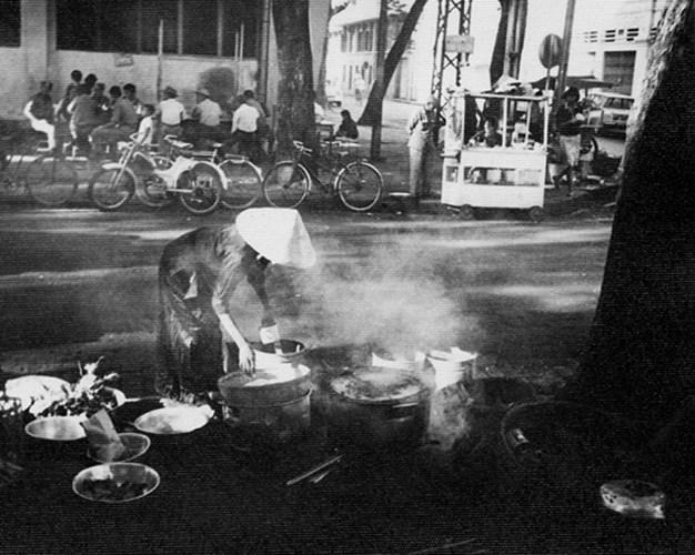 Ẩm thực đường phố Sài Gòn.