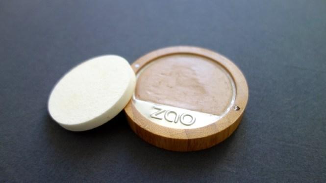 Le fond de teint compact bio vegan et cruelty free Zao MakeUp - Blog Tache de Rousseur