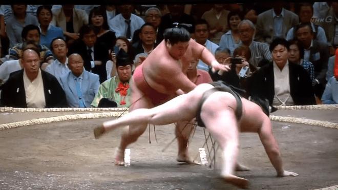 Injured Hakuho Gives Up Kinboshi