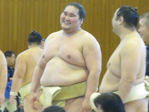 terunofuji-with-aminishiki