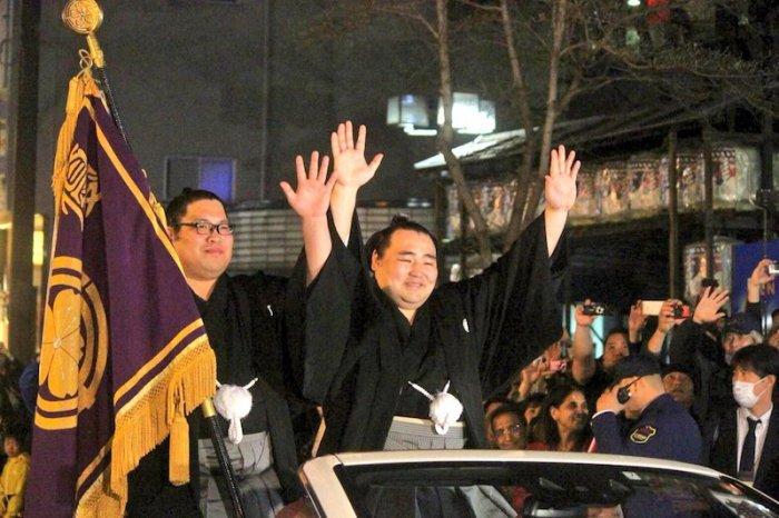 Kakuryu Yusho.Parade
