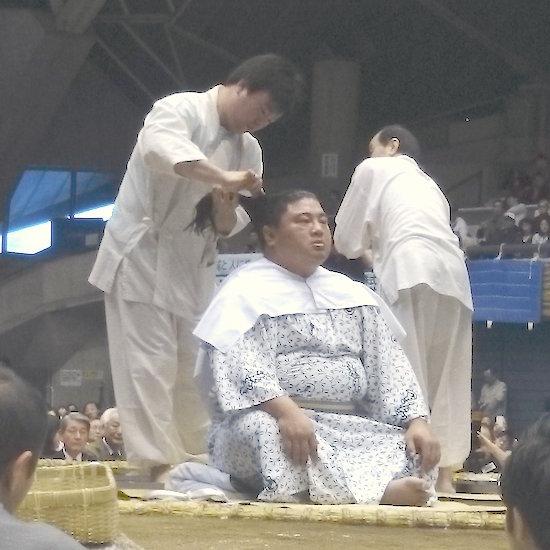 yoshikaze-hairdo