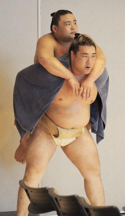 ryuden-lifting-weights