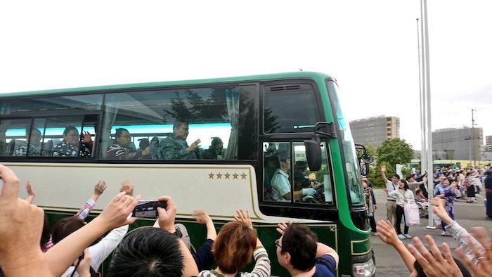 bus-leaving