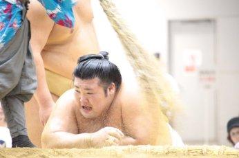 kakuryu-butsukari-yutakayama-2