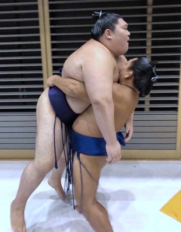 terutsuyoshi-lifting-yago