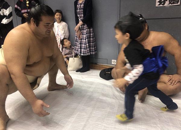 chiyonokuni-mini-rikishi-2
