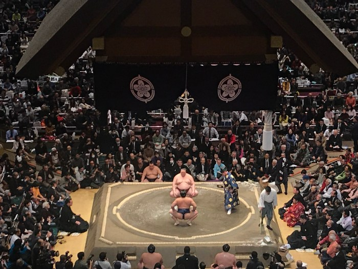 Kisenosato vs Tochiozan. Hatsu Basho Day 3. 15 January 2019.