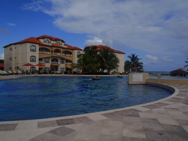 Condominiums Ambergris Caye