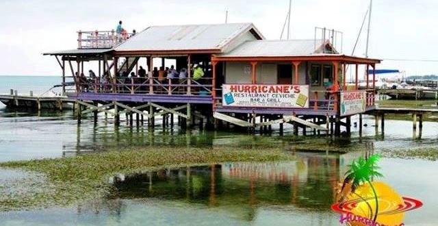 Hurricanes bar Ambergris Caye